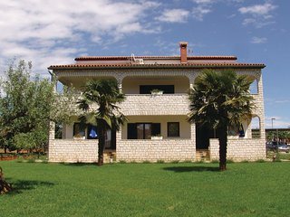 Amazing home in Porec w/ WiFi and 1 Bedrooms