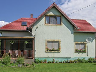 Amazing home in Vonyarcvashegy w/ WiFi and 3 Bedrooms