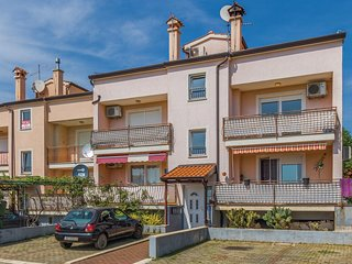 Nice home in Kukci w/ WiFi and 2 Bedrooms