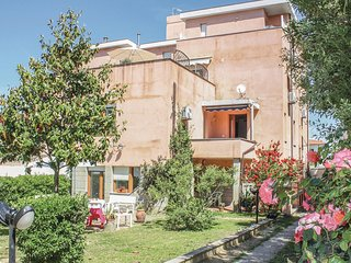 Amazing home in Livorno -LI- w/ 2 Bedrooms