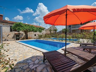 Amazing home in Porec w/ WiFi and 2 Bedrooms (CIE394)