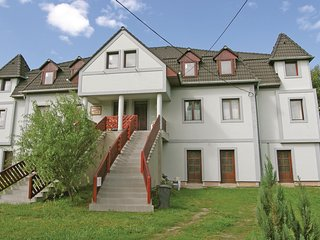 Nice home in Kehidakustány w/ WiFi and 3 Bedrooms