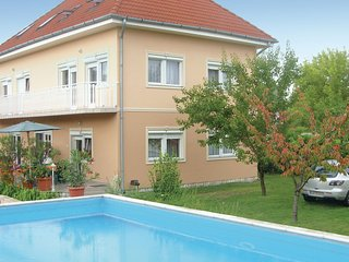 Nice home in Zamárdi w/ 3 Bedrooms