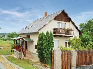 Amazing home in Koroshegy w/ WiFi and 4 Bedrooms