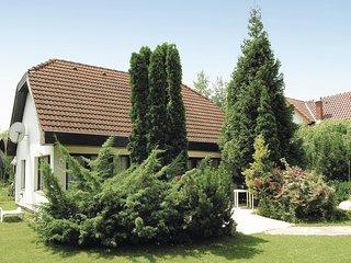 Nice home in Szantod w/ 3 Bedrooms