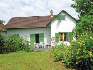 Amazing home in Szántód w/ 3 Bedrooms