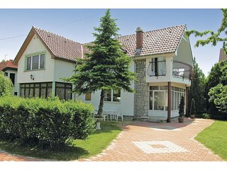 Awesome home in Szantod w/ 2 Bedrooms