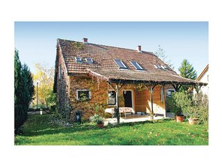 Awesome home in Siófok w/ WiFi and 3 Bedrooms
