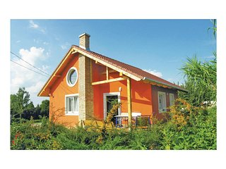Nice home in Balatonszabadi w/ 2 Bedrooms