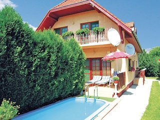 Stunning home in Siófok-Kiliti w/ WiFi and 5 Bedrooms