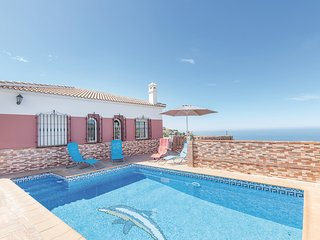 Beautiful home in Torrox w/ 3 Bedrooms and WiFi