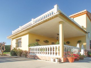 Beautiful home in Alhaurin de la Torre w/ 3 Bedrooms