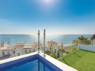 Stunning home in Mijas w/ WiFi and 6 Bedrooms