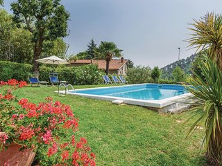 Stunning home in Colle di Compito LU w/ 2 Bedrooms, Outdoor swimming pool and Ou