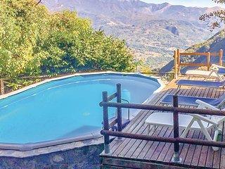 Beautiful home in Fabbriche di Vallico w/ 3 Bedrooms