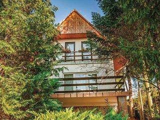 Nice home in Zebegeny w/ 2 Bedrooms