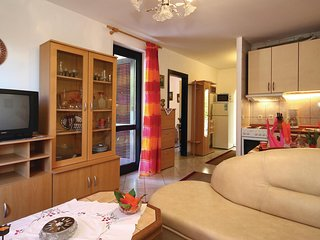 Nice home in Cervar Porat w/ 2 Bedrooms