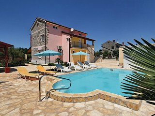 Awesome home in Porec w/ WiFi and 5 Bedrooms (CIE598)