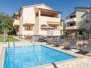 Amazing home in Porec w/ WiFi and 2 Bedrooms