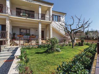 Amazing home in Porec w/ 2 Bedrooms (CIE584)