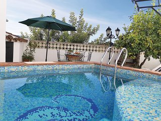 Beautiful home in Algatocin w/ WiFi, 2 Bedrooms and Outdoor swimming pool