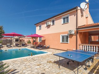 Beautiful home in Betiga w/ WiFi and 4 Bedrooms
