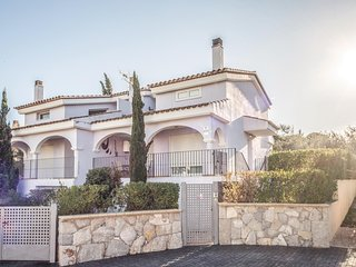 Amazing home in Peñiscola w/ 3 Bedrooms and Outdoor swimming pool