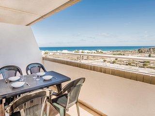 Stunning home in La Torre de la Sal w/ 2 Bedrooms