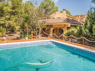 Amazing home in Oropesa de Mar w/ 2 Bedrooms and Outdoor swimming pool