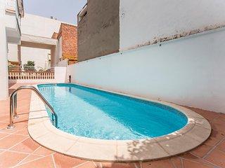 Beautiful home in El Grau de Moncofa w/ 4 Bedrooms (EBA050)