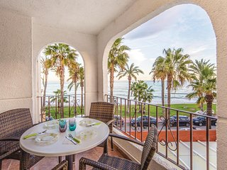 Amazing home in Oropesa del Mar w/ WiFi, 2 Bedrooms and Outdoor swimming pool