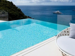 Villa Vitti | Ocean View - Located in Exquisite Shell Beach with Private Pool