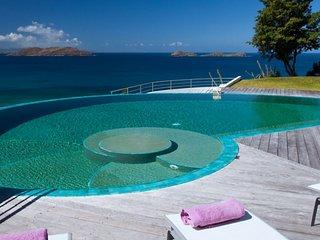 Villa Coco | Beach View - Located in Magnificent Lorient Beach with Private Po