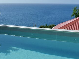 Villa Gros Ilets | Ocean View - Located in Wonderful Lurin with Private Pool