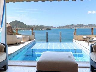 Villa C'est La Vue   Ocean View - Located in Stunning Pointe Milou with Privat