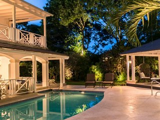 Villa Sandalwood House | Near Ocean - Located in Tropical Sandy Lane with Priv