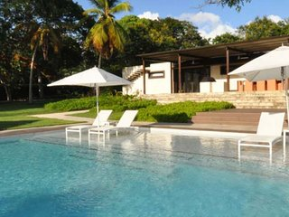 Villa Happy Trees | Near Ocean - Located in Wonderful Sandy Lane with Private