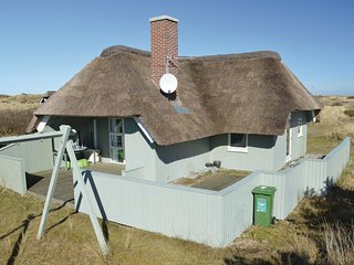 Beautiful home in Blavand w/ 3 Bedrooms and WiFi (P32429)