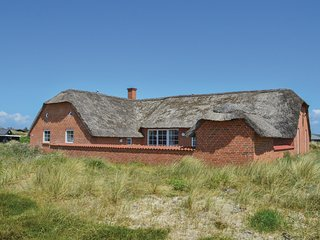 Stunning home in Ringkøbing w/ Sauna, WiFi and 6 Bedrooms