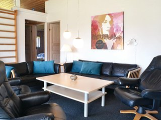 Beautiful home in Blåvand w/ Sauna, WiFi and 4 Bedrooms