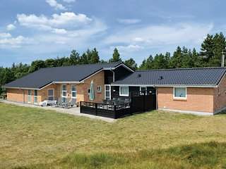 Amazing home in Blåvand w/ Sauna, WiFi and 5 Bedrooms