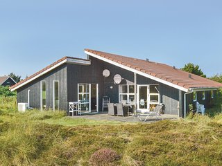Stunning home in Ringkøbing w/ Sauna, WiFi and 5 Bedrooms