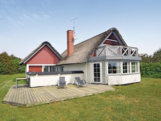 Awesome home in Blavand w/ Sauna, WiFi and 3 Bedrooms