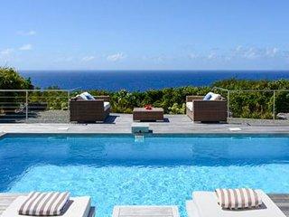 Villa Costa Nova | Ocean View - Located in Wonderful Gouverneur with Private Po