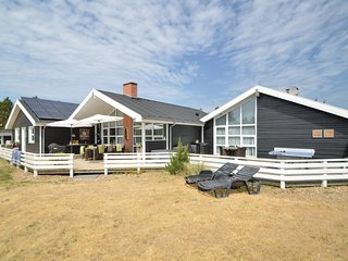 Amazing home in Blåvand w/ Sauna, WiFi and 5 Bedrooms (P32655)