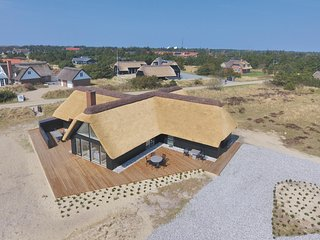 Awesome home in Blåvand w/ Sauna, WiFi and 4 Bedrooms
