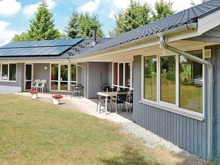 Stunning home in Farvang w/ Sauna, WiFi and 3 Bedrooms