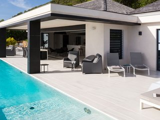 Villa Rose Dog | Ocean View - Located in Stunning Deve with Private Pool