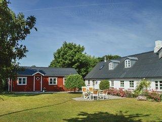 Beautiful home in Farsø w/ WiFi and 3 Bedrooms
