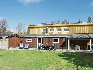 Awesome home in Norre Nebel w/ 3 Bedrooms